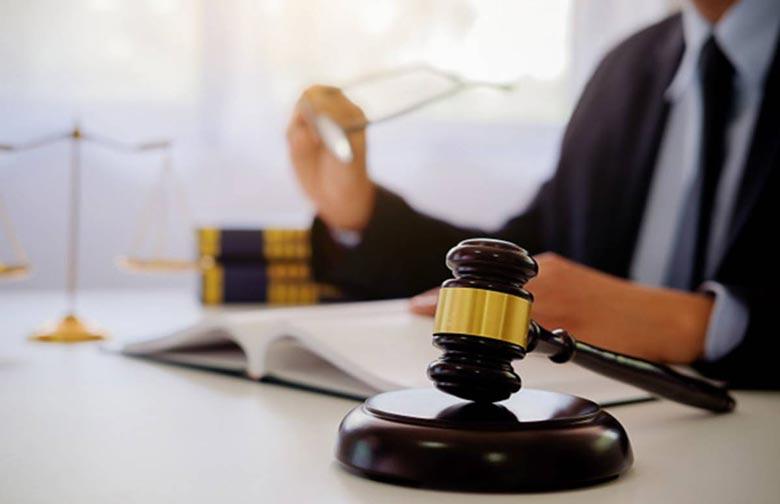 شرایط مورد نیاز ثبت نام آزمون وکالت قوه قضائیه 1400