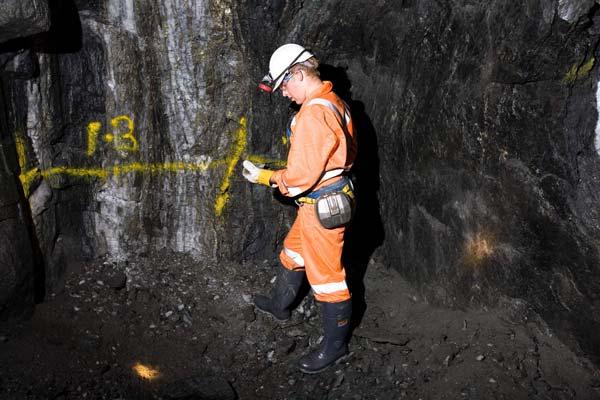 رتبه قبولی مهندسی معدن گرایش اکتشاف مواد معدنی دکتری دانشگاه سراسری 99 - 1400